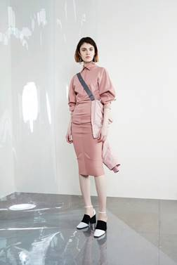 SHARE_FOLDER:PR:Seasonal Materials:SS18:SPORTMAX SS18:SPORTMAX RESORT 2018:Sportmax Resort 2018 - Images:22.jpg