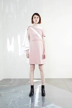SHARE_FOLDER:PR:Seasonal Materials:SS18:SPORTMAX SS18:SPORTMAX RESORT 2018:Sportmax Resort 2018 - Images:28.jpg