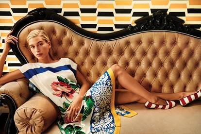 SHARE_FOLDER:PR:Seasonal Materials:SS19:Weekend Max Mara:Editorial Images - Hailey Baldwin wearing the Weekend Max Mara Nantucket Signature Collection:MAXMARA_SHOT 3-0188_v3_QC.jpg